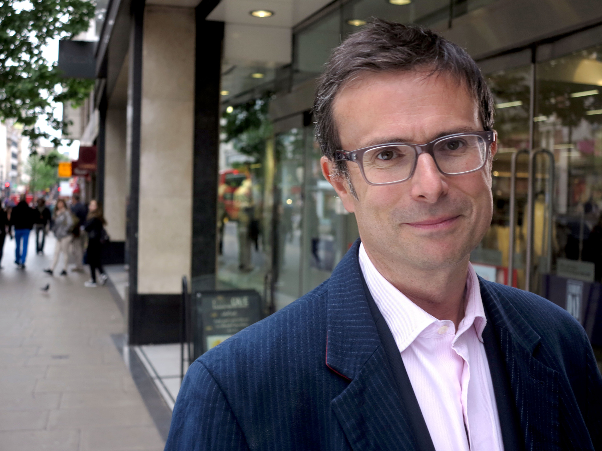 Robert Peston Goes Shopping: Season 1